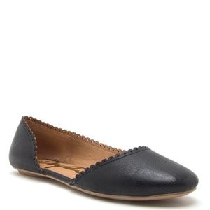 Black Barnish Flats